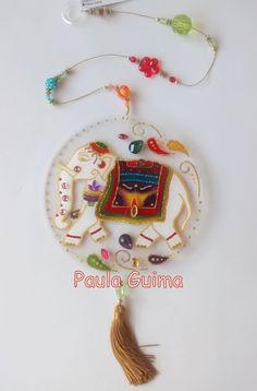 Mandala do elefante Indiano Em acrílico, pintada com técnica vitral