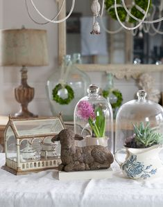 Tips on Adding Touches of Spring to your Country French Home - Cedar Hill Farmhouse Decor Style Home Decor Style Decor Tips Maintenance French Decor, French Country Decorating, Joanna Gaines, Street Design, Cedar Hill Farmhouse, Rustic Farmhouse, Decor Inspiration, French Country Cottage, Spring Home