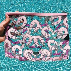 Sunny day essentials click the link in our bio to shop #skinnydiplondon #babemagnet @sce.nic by skinnydiplondon