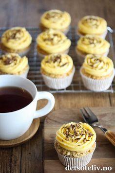 Suksessmuffins (Suksesscupcakes)   Det søte liv Norwegian Food, Foods To Avoid, Mini Muffins, Healthy Meals For Kids, Sweet Cakes, Frozen Yogurt, Eat Cake, Yummy Treats, Baking Recipes