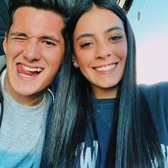 Sabina Hidalgo (@sabinahidalgo) • Fotos e vídeos do Instagram Pop Internacional, Close Up, Foto E Video, Couple Goals, Cute Couples, Memes, My Life, Idol, The Unit