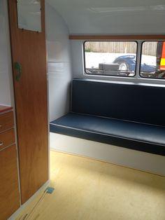 Bunk bed as a sofa Retro Caravan, Teardrop Trailer, Reno Ideas, Bunk Beds, Camper, Sofa, Vintage, Caravan, Settee