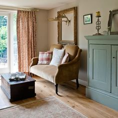 Living room sofa | Sussex cottage | House tour | PHOTO GALLERY | Country Homes & Interiors | Housetohome.co.uk