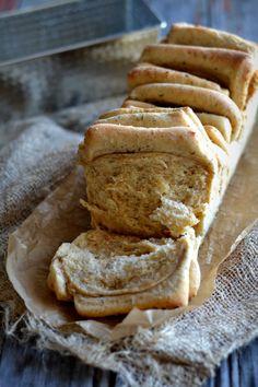 Receitas de Célio Cruz, utilizando produtos Tété: Pão de partilha de queijo e tomilho (tete.pt/sabores)