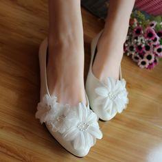 26.88$  Buy here - https://alitems.com/g/1e8d114494b01f4c715516525dc3e8/?i=5&ulp=https%3A%2F%2Fwww.aliexpress.com%2Fitem%2FHandmade-wedding-shoes-white-bridal-shoes-elegant-princess-fancy-wedding-shoes-bridesmaid-shoes-women-s-flat%2F32498052619.html - Handmade Wedding Shoes white  bridal Shoes elegant princess fancy Wedding Shoes bridesmaid Shoes Women's flat Large Size 41-42
