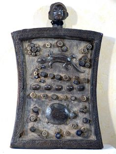Antique for sale African Luba lukasa mnemonic or memory board Amulet Sculpture Fine arts architecture