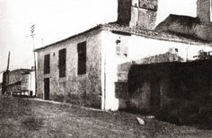 Casa natal de Rosalía de Castro no Camiño Novo de Santiago, daquela concello de Conxo. Hoxe, praza de Vigo (Fotografía da revista «Vida gallega» no ano 1917)