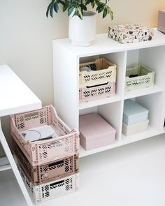 Our storage boxes Aykasa in the haus of Thanks for sharing your style Modern Room Decor, Aesthetic Room Decor, Home Bedroom, Bedroom Decor, Bedside Table Decor, Indie Room, Dream Decor, Cool Rooms, My Living Room
