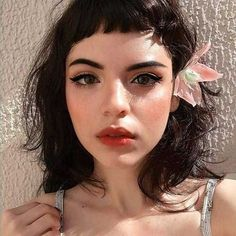 Bang Hair Trends in 2018 - Hair Bangs Curly Hair With Bangs, Short Hair With Bangs, Haircuts With Bangs, Wavy Hair, Curly Hair Styles, Short Dark Hair, Retro Pony, Retro Bangs, Bobs For Round Faces