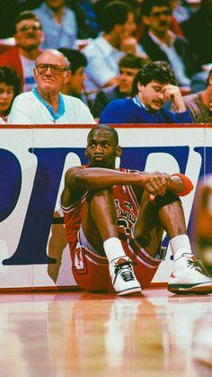 Kobe Bryant Michael Jordan, Michael Jordan Pictures, Michael Jordan Photos, Michael Jordan Basketball, Bulls Wallpaper, Jordan Logo Wallpaper, Nba Players, Basketball Players, Jordan Poster