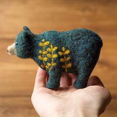 Botanical Bear Needle Felted Soft Sculpture Felt by GreyFoxFelting Needle Felted Animals, Felt Animals, Wet Felting, Needle Felting, Felt Crafts, Fabric Crafts, Felting Tutorials, Felt Toys, Soft Sculpture