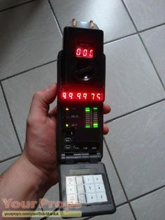 This is a functional replica of the Original Sliders Timer seen in the first, second, and third seasons. Sliders Tv Show, Space Warriors, Sci Fi Weapons, Futuristic Technology, Old Tv Shows, Movie Props, Electronics Projects, Cosplay Ideas, Cool Gadgets