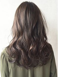 Trendy Hair Styles Curled Perms Trendy Hair Styles Curled Perms Sure, the bushy perms of the Medium Short Hair, Medium Hair Styles, Curly Hair Styles, Curls For Long Hair, Short Curly Hair, Asian Hair Wavy, Asian Perm, Permed Hairstyles, Hair Looks