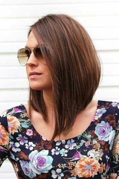 wanna give your hair a new look? Inverted bob hairstyles is a good choice for you. Here you will find some super sexy Inverted bob hairstyles, Find the best one for you, Angled Haircut, Inverted Bob Hairstyles, Long Bob Haircuts, Cool Hairstyles, Hairstyle Ideas, Hairstyles 2016, Hairdos, Lob Haircut, Easy Hairstyle
