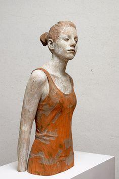 Bruno Walpoth - ¿Porqué no? - 2015 - Escultura en madera de nogal.