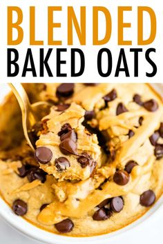 These easy blended baked oats make you feel like you're having cake for breakfast and they're so easy. Just pop everything into your blender, bake and enjoy! Baked Oatmeal Recipes, Baked Oats, Healthy Breakfast Recipes, Brunch Recipes, Whole Food Recipes, Cooking Recipes, Gf Recipes, Breakfast Cake, Breakfast Ideas