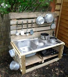 Rustic Pallet Kids outdoor #Kitchen - 10 Pallet Ideas for Kids to Tryout This Year | 99 Pallets