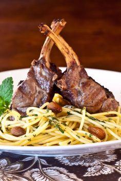 Pesto, Barbacoa, Plate Presentation, Feeling Hungry, Lamb, Catering, Slow Cooker, Pizza, Spaghetti
