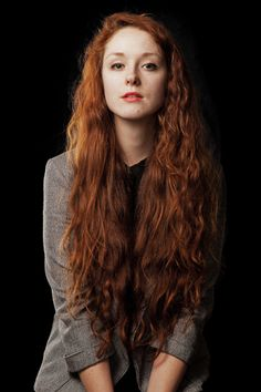 Wish I had Red Hair Or Even Black Hair. I wish I could Change My Hair Color And Length Each Day. Beautiful Red Hair, Beautiful Redhead, Pretty Hair, Red Hair Woman, Long Red Hair, Female Character Inspiration, Natural Redhead, Ginger Girls, Redhead Girl