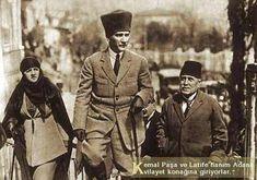 Atatürk ve Latife Hanım Adana Vilayet Konağı'nda