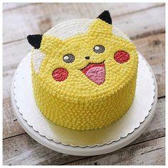 Exquisite Buttercream Cake by Ivenoven|. FunPalStudio|Illustrations, Art, Artist, Artwork, Entertainment, beautiful, creativity, food art, Cake art.