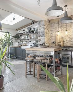 10 incredible kitchen extension ideas | Fifi McGee | Interiors + Renovation Blog Open Plan Kitchen Dining Living, Open Plan Kitchen Diner, Kitchen Dinning Room, Kitchen Ideas New House, Home Decor Kitchen, House Ideas, Design Kitchen, Kitchen Interior, Kitchen Diner Extension