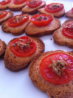Tosta com tomate fresco
