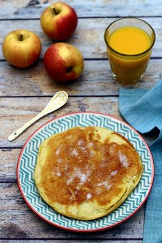 Crêpe épaisse aux pommes - Amandine Cooking Weight Watchers Breakfast, Brunch, Balanced Meals, Food And Drink, Healthy Recipes, Snacks, Fruit, Cooking, Menu