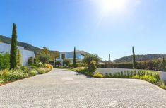 New stylish modern luxury villa in Zagaleta, Marbella in Marbella, Spain for sale (10522993) Swimming Pool Designs, Swimming Pools, What Is Nordic, Malaga Spain, Beach Villa, Modern Luxury, Luxury Villa, Luxury Real Estate, Outdoor