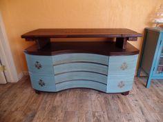 DIY Shabby to Chic Furniture -TV Media Chest