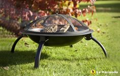 New for 2011 - Portable folding leg fire bowl and barbecue from La height.Includes chromed cooking grill, mesh safety cover and log grate. Barbecue Camping, Barbecue Garden, Bbq Grill, Grilling, Clay Fire Pit, Fire Pit Bbq, Garden Fire Pit, Garden Mall, Tiny House Furniture