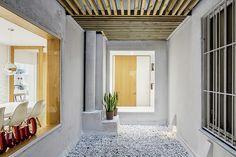Galería de Núcleo central esculpido / Sergi Pons architects - 1