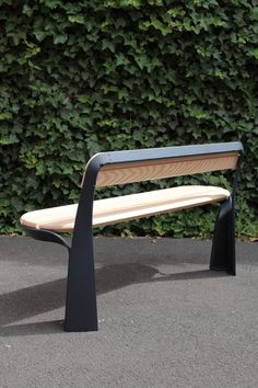 Banca de la serie de mobiliario urbano Poa de Studio Brichetziegler para Axurbain