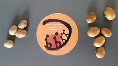 """I Fagioli Tabacchino di Mandia (Sa) e i """"copàfam"""" della Valle Camonica (Bs) distribuiti alla prima lezione della Scuola Ambulante di Agricoltura Sostenibile a Codera (So) il 6 giugno 2015"""