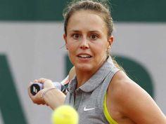 :.: Ranking WTA: Michelle Brito sobe três lugares (120.ª) - Jornal Record :.: Tennis News, Journaling, Tennis, Places