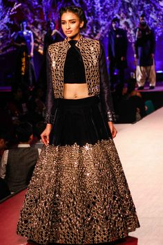 View Manish's show @ Filmfare pre-awards party Pics on TOI Photogallery
