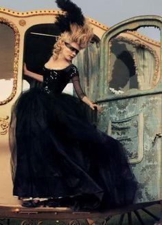 Marie Antoinette masquerade, Vogue shoot by #Annie #Liebovitz