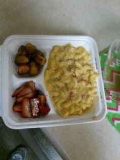 Mac and cheese with diced ham, basalmic strawberries and roasted butternut squash