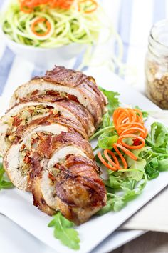 Bacon Wrapped Chicken Breasts Stuffed with Artichoke Hearts, Water Chestnuts, Sun Dried Tomatoes, & Pine Nuts Easy Healthy Dinners, Easy Dinner Recipes, Dinner Ideas, Sugar Free Bacon, Chicken Wraps, Chicken Feed, Stuffed Chicken, Paleo Recipes, Paleo Food