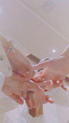 Teamwork makes the dream work // bts Bts Taehyung, Bts Bangtan Boy, Bts Jimin, Namjoon, Foto Bts, K Pop, Bts Wallpaper Lyrics, Bts Cute, Bts Polaroid