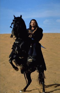 Oded Fehr in The Mummy