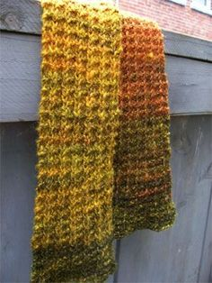 Scarf pattern that is quick, easy, has only one row to learn, is reversible, looks good in any gauge, and is easy to make wide or narrow.  From The Yarn Harlot