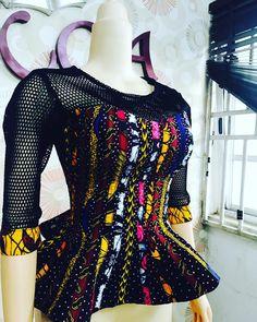 Fascinating ankara blouse for the ladies - DarlingNaija African Blouses, African Lace Dresses, African Dresses For Women, African Attire, African Wear, African Fashion Designers, African Fashion Ankara, Latest African Fashion Dresses, African Print Fashion