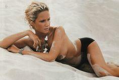 Monika Mrozowska - Playboy 10.2004 (2000×1344)