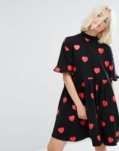 Платье-футболка мини с принтом сердец и оборками Lazy Oaf