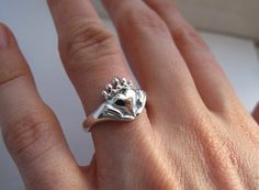 Claddagh Ring Without a stone by Ricksonjewellery Silver Claddagh Ring, Claddagh Rings, Perfect Gift For Her, Gifts For Her, Art Deco Jewelry, Jewelry Design, Rings For Girls, Blue Rings, Promise Rings