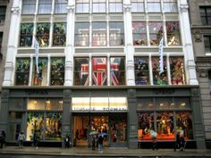 Popular British women's clothing store Topshop in NYC