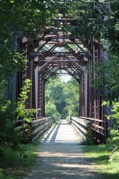 The Wisconsin Great River Road boasts five state parks – Kinnickinnic State Park, Merrick State Park, Perrot State Park, Wyalusing State Park and Nelson Dewey State Park. You can also find the Great River State Trail (pictured), which is open to bicyclists and pedestrians and runs from Trempealeau to Onalaska.