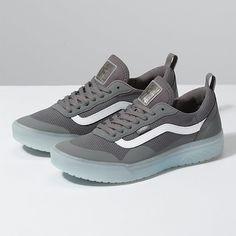 Vans Boots, Mens Vans Shoes, Vans Sneakers, Skate Shoes, Sock Shoes, Men's Shoes, Men's Tennis Shoes, Vans Shoes Fashion, Nike Fashion