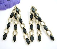 BLACK-Clear-RHINESTONES-Shoulder-Duster-Statement-Pierced-EARRINGS-Vintage-3